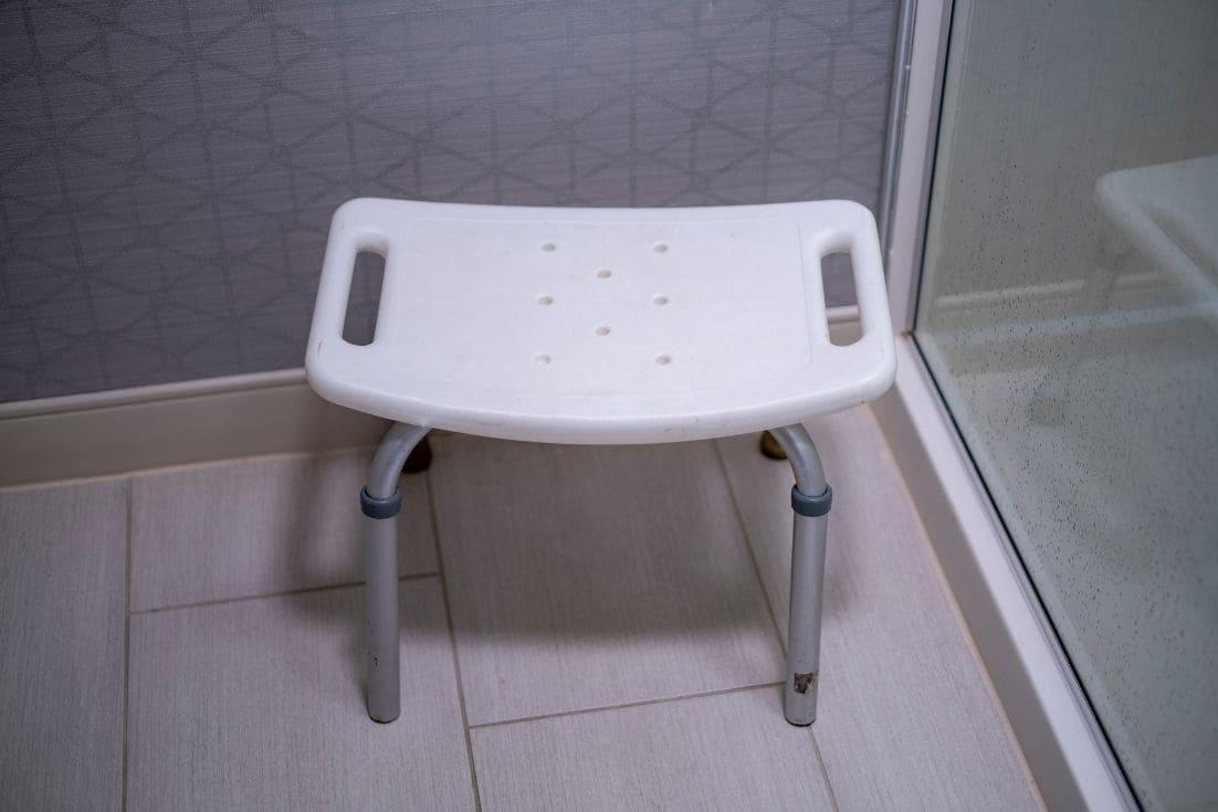 alugar-cadeira-de-banho